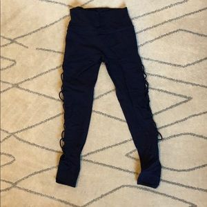 Alo yoga navy interlace leggings size medium